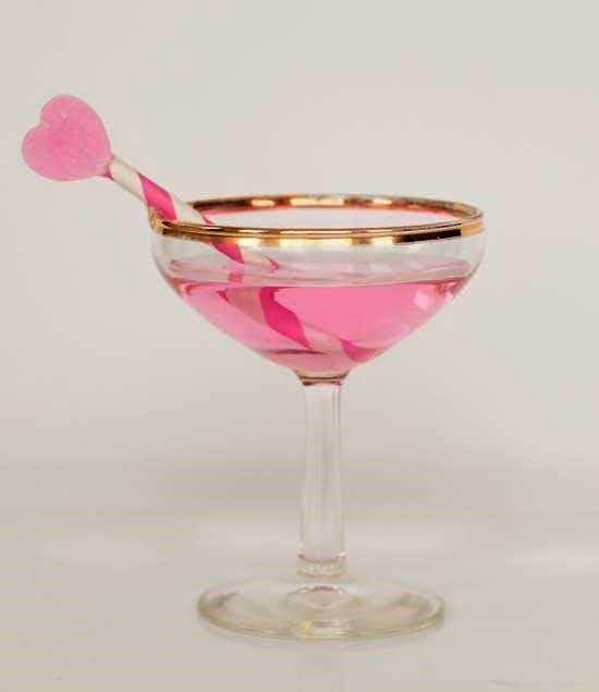 Best drinks on a date for Valentine's Day - Pretty-in-pink Champagne Cocktail